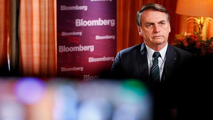 Se for provado que o Flávio errou, ele pagará o preço, diz Bolsonaro