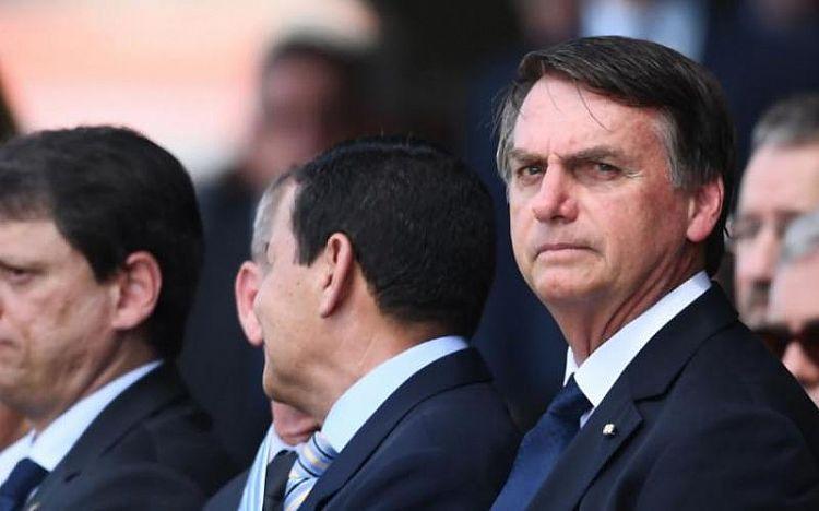 """Bolsonaro quer privatizar Correios, """"início do foco do mensalão"""""""