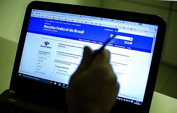 Receita Federal alerta para a circulação de comunicado falso