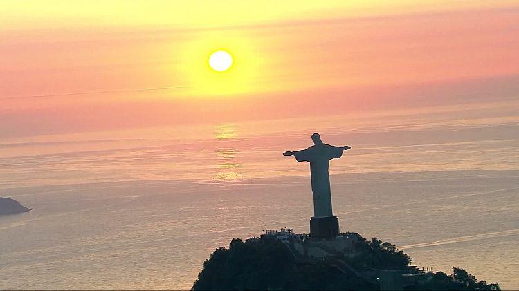 Alok foi o primeiro a se casar ao amanhecer no Cristo Redentor; veja como celebrar no Corcovado
