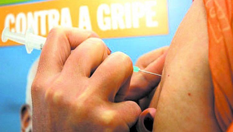 Praça Anchieta tem posto volante de vacinação contra a gripe neste sábado