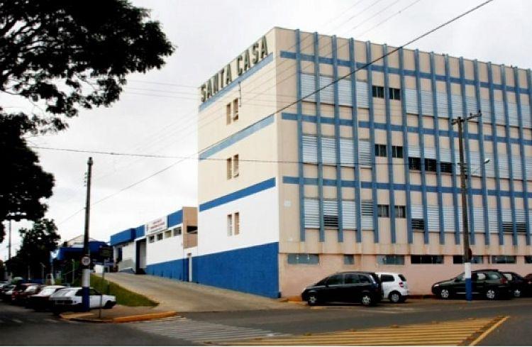 Mulher fica ferida após ser esfaqueada durante briga em Itararé