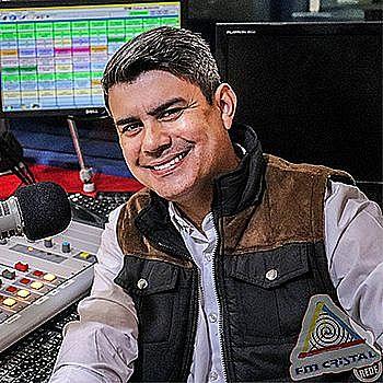 Ao Vivo | FM Cristal | 93,5 MHz - Todo Mundo Curte