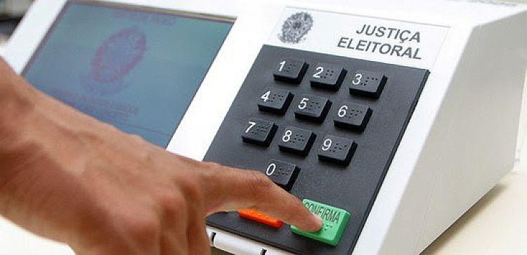 TSE afirma que é falsa a informação de que as urnas estão programadas de acordo com o horário de verão